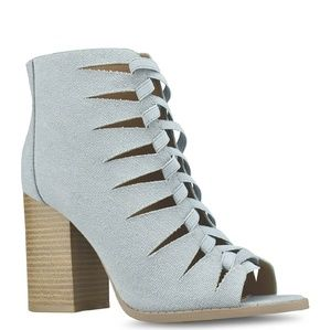 Shoes - Blue Grey Canvas Gladiator Sandals